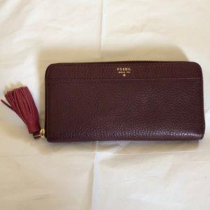 NWOT FOSSIL Zip Around Wallet